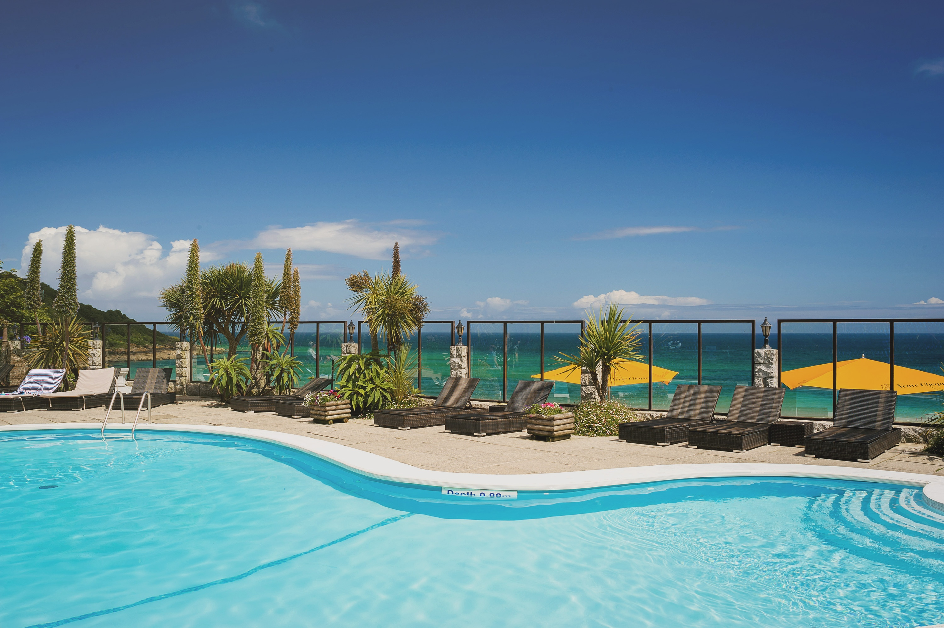C Bay Spa heated pool overlooking St Ives Bay