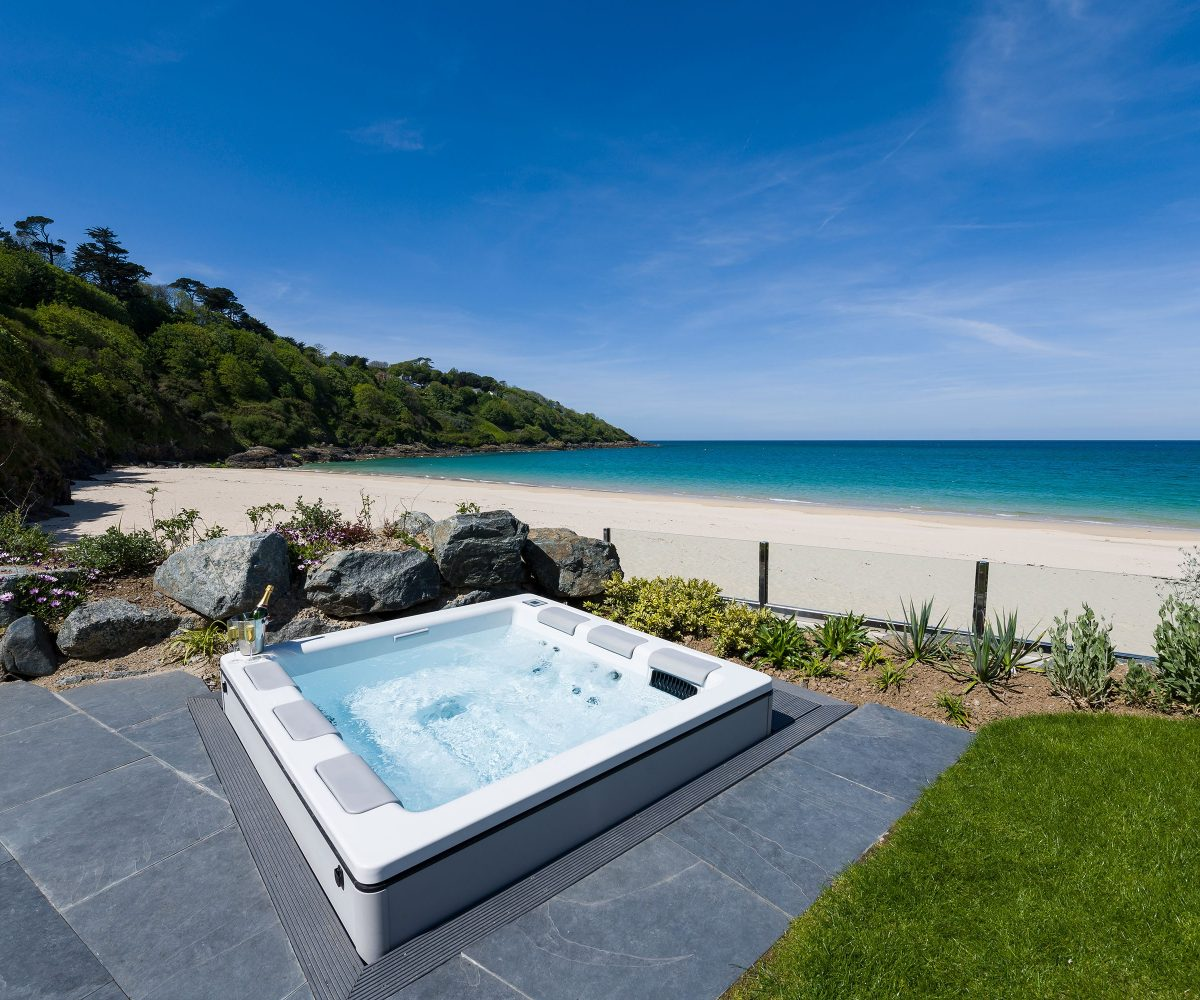 Carbis Bay Beach Lodge Hot Tub